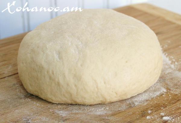Խմորի բաղադրատոմսով, որով կարելի է թխել գրեթե ամեն ինչ և պատրաստվում է շատ արագ
