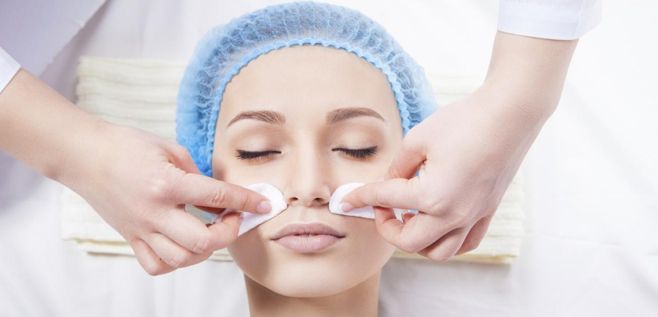 Բժիշկ-կոսմետոլոգի խորհուրդները դեմքի մաշկի ճիշտ խնամքի համար։