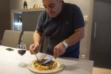 Հայազգի Ժորժը Ֆրանսիայից ցույց է տալիս, թէ ինչպես պատրաստել գուլյաշ։ Յուրահատուկ և պարզ բաղադրատոմս։