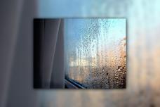 Ինչու են պատուհանները քրտնում և ինչպես վերացնել այդ խնդիրը։